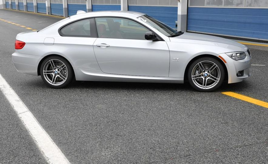 2011 BMW 335is coupe - Slide 22