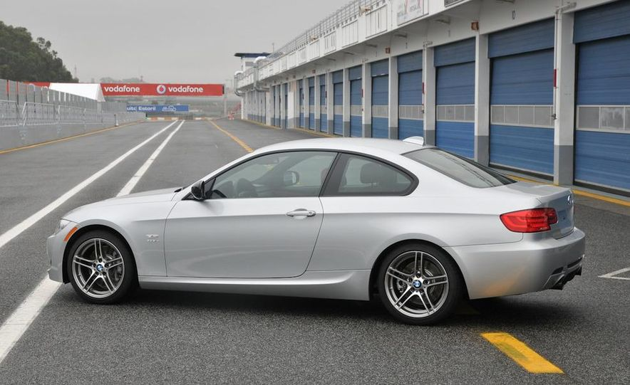 2011 BMW 335is coupe - Slide 25