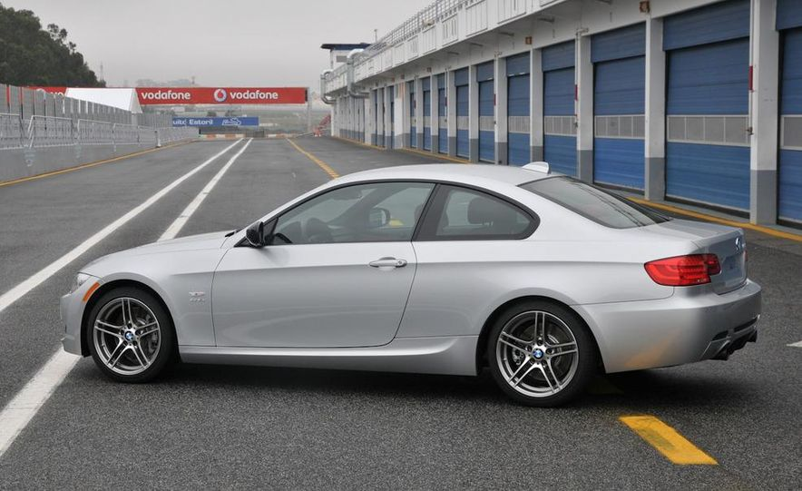 2011 BMW 335is coupe - Slide 27