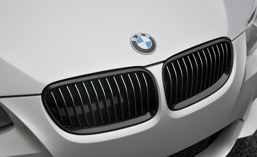 2011 BMW 335is coupe - Slide 33