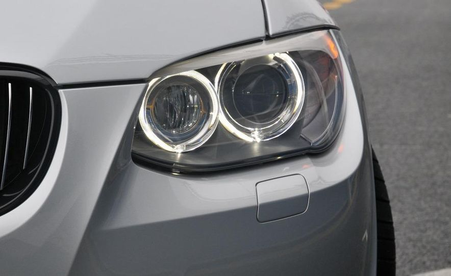 2011 BMW 335is coupe - Slide 34
