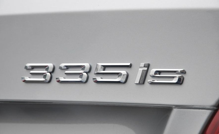 2011 BMW 335is coupe - Slide 37