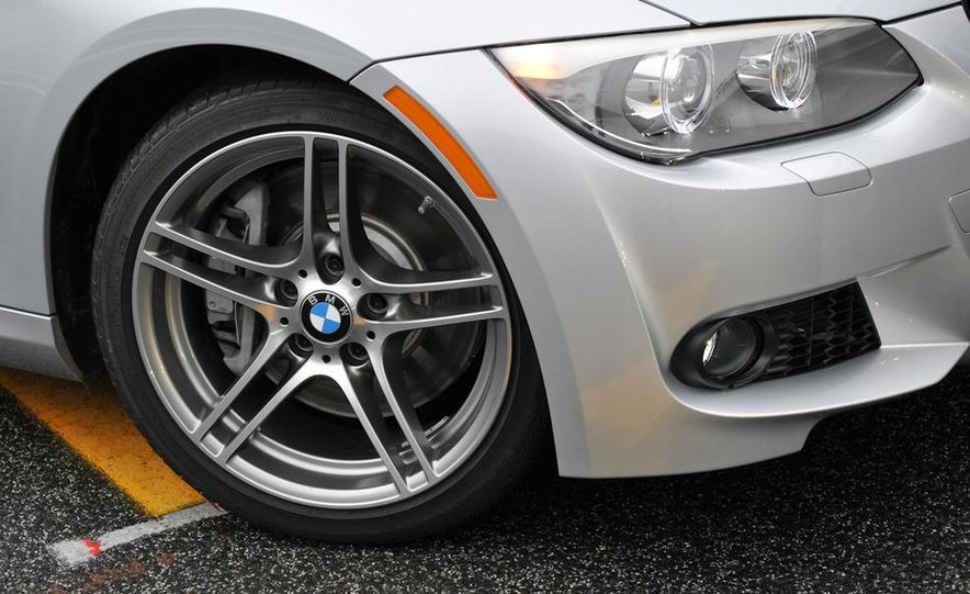 2011 BMW 335is coupe - Slide 30