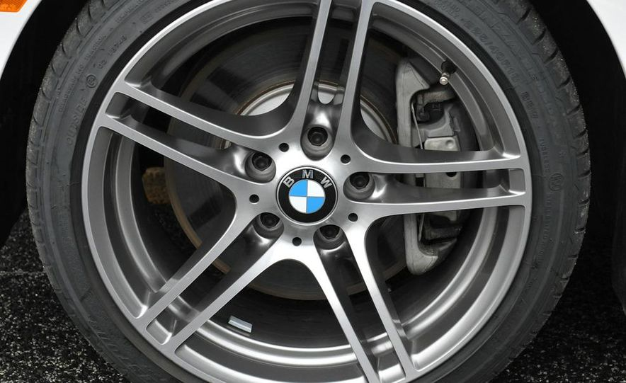 2011 BMW 335is coupe - Slide 32
