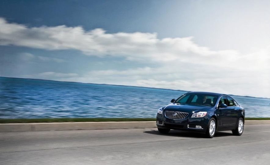 2011 Buick Regal CXL - Slide 1