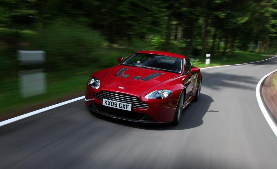 2011 Aston Martin V-12 Vantage - Slide 1