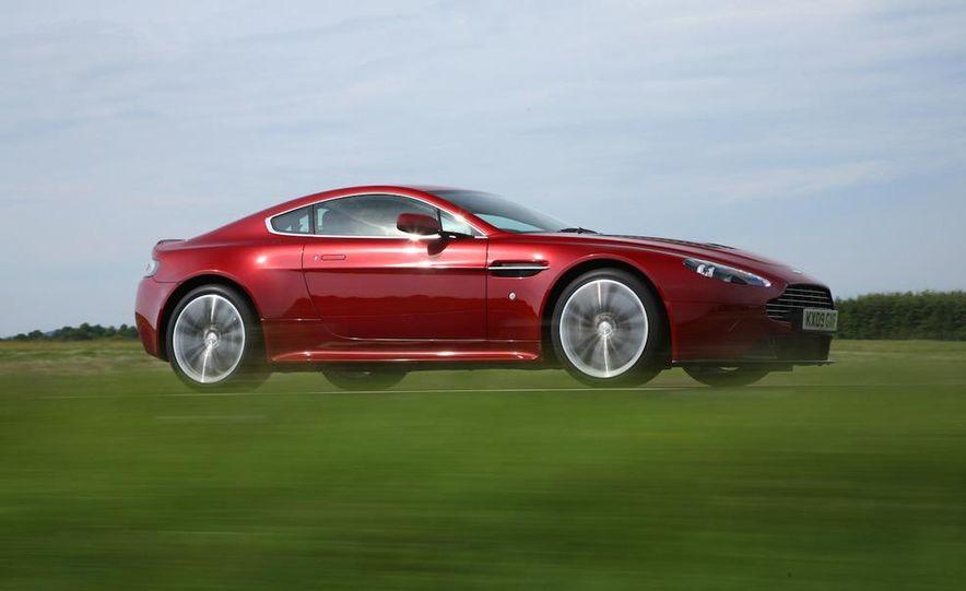 2011 Aston Martin V-12 Vantage - Slide 9