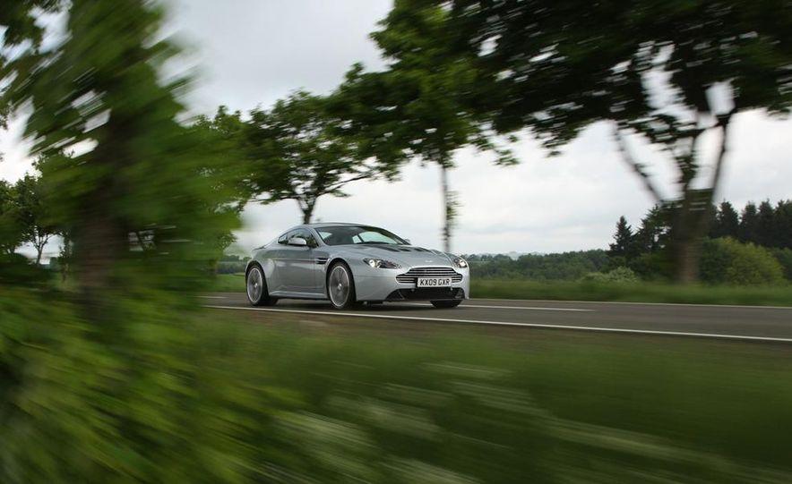 2011 Aston Martin V-12 Vantage - Slide 17
