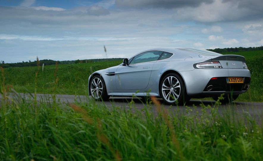 2011 Aston Martin V-12 Vantage - Slide 36
