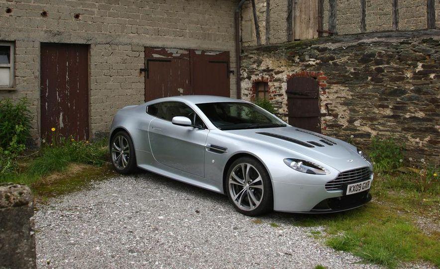 2011 Aston Martin V-12 Vantage - Slide 37