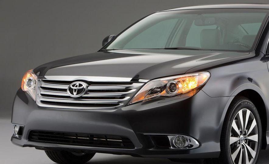 2011 Toyota Avalon - Slide 16