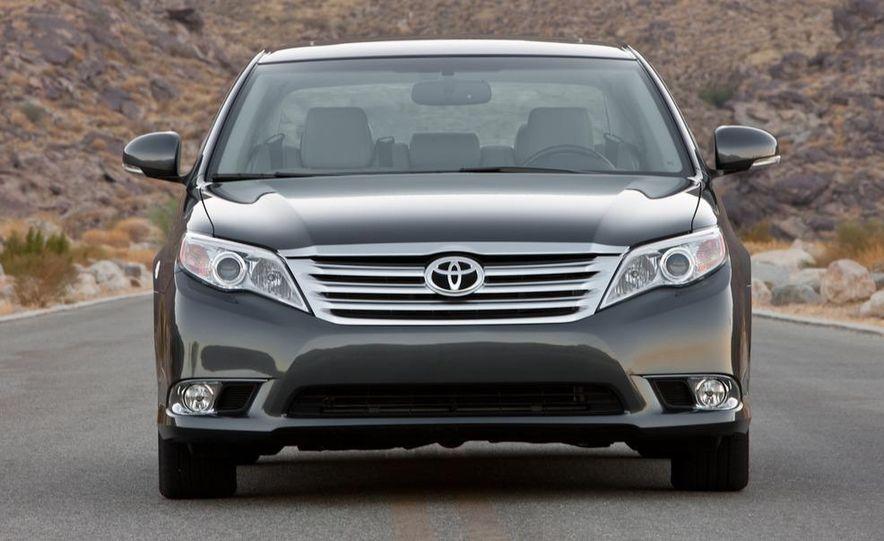 2011 Toyota Avalon - Slide 10