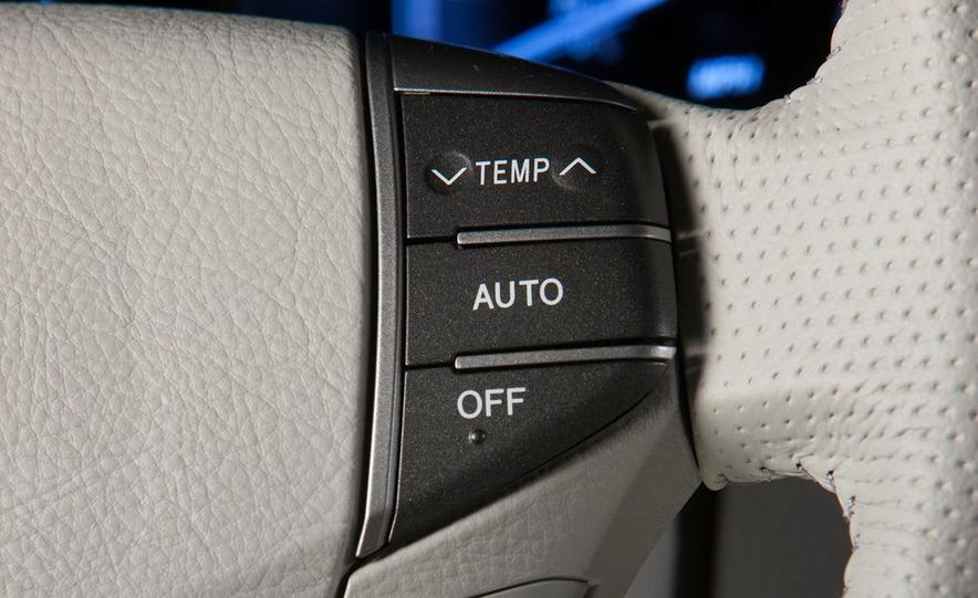 2011 Toyota Avalon - Slide 41