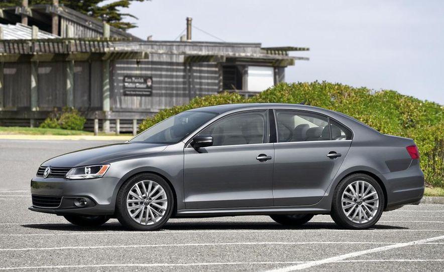 2011 Volkswagen Jetta 2.5 - Slide 12