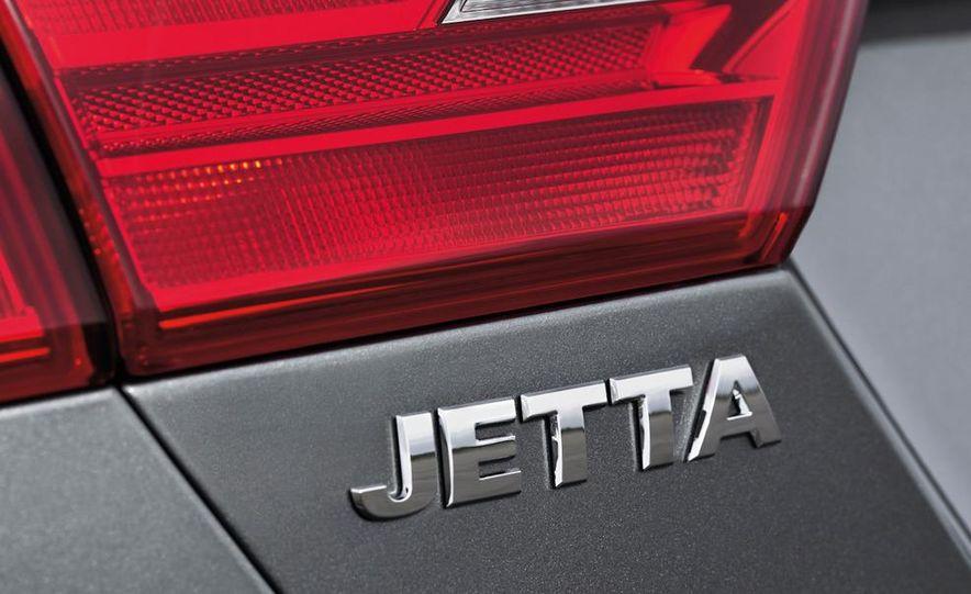 2011 Volkswagen Jetta 2.5 - Slide 23
