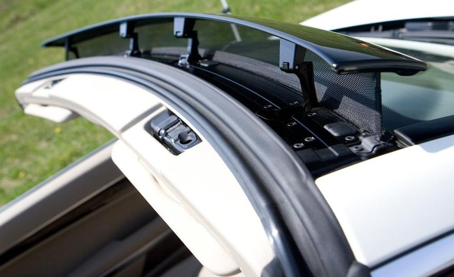 2011 Mercedes-Benz E550 Cabriolet - Slide 13