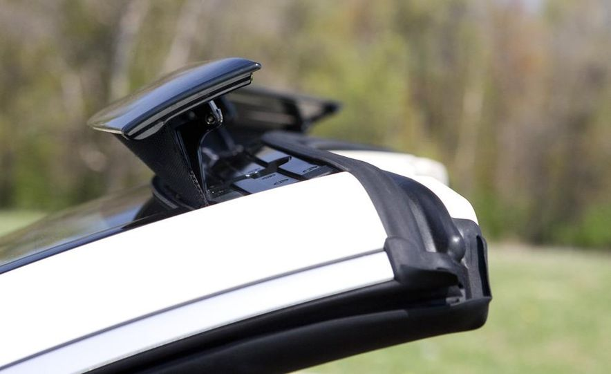 2011 Mercedes-Benz E550 Cabriolet - Slide 12