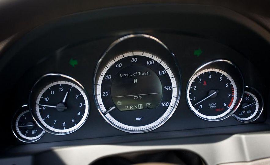 2011 Mercedes-Benz E550 Cabriolet - Slide 23