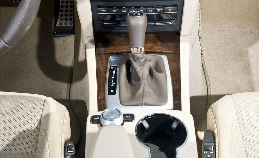 2011 Mercedes-Benz E550 Cabriolet - Slide 24