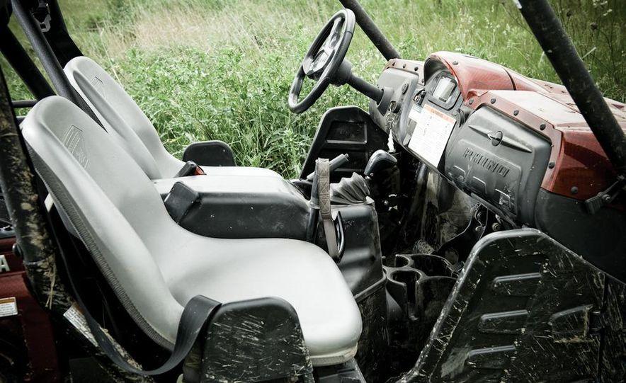 John Deere Gator XUV 825i - Slide 14