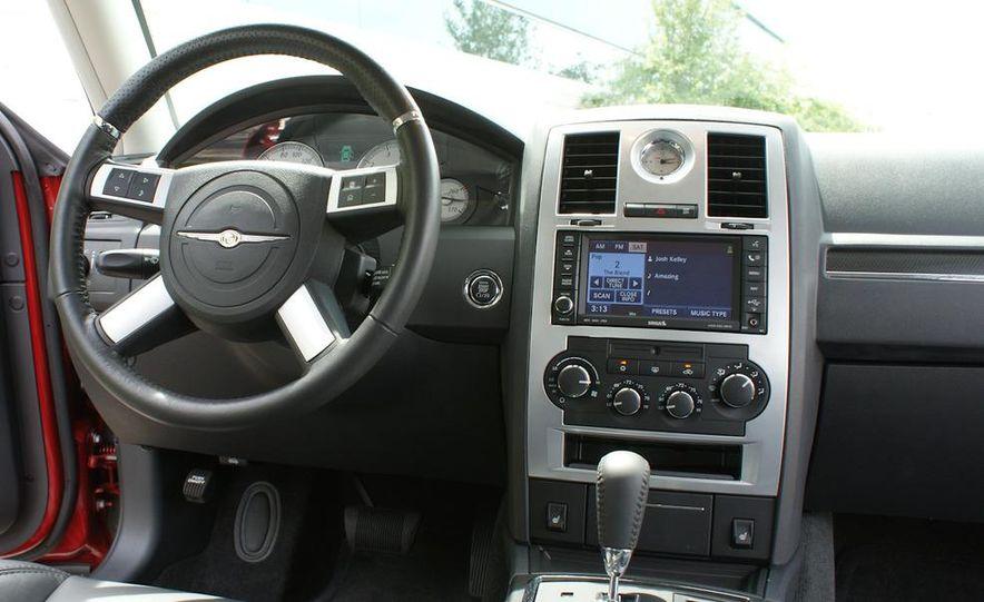 2010 Chrysler 300C SRT8 - Slide 17