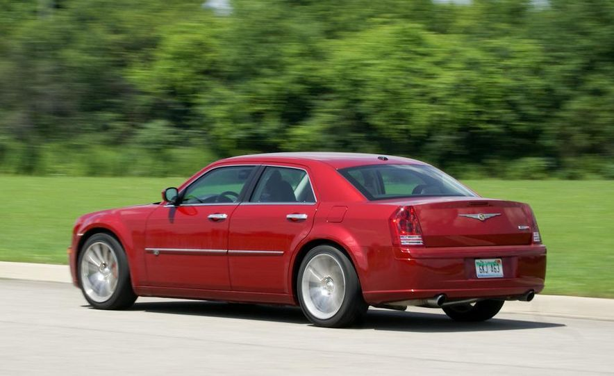 2010 Chrysler 300C SRT8 - Slide 4