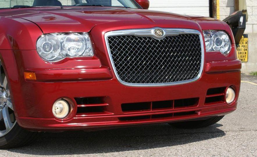 2010 Chrysler 300C SRT8 - Slide 9