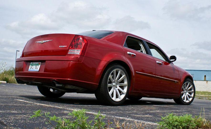 2010 Chrysler 300C SRT8 - Slide 14