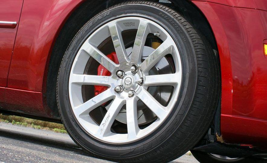 2010 Chrysler 300C SRT8 - Slide 15