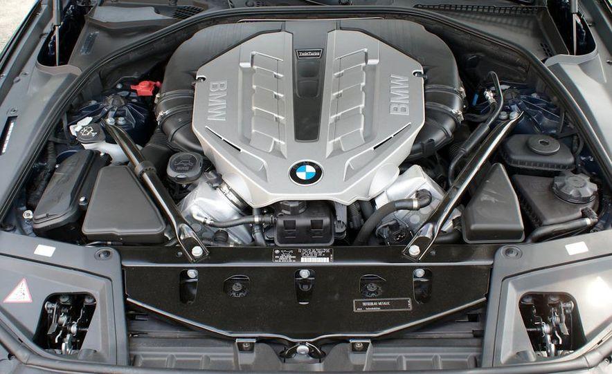 2011 BMW 550i automatic - Slide 24