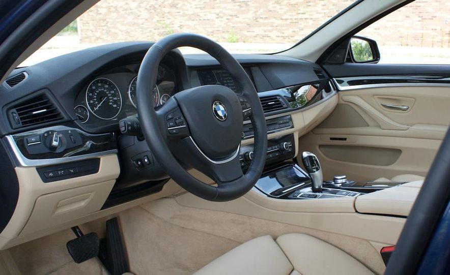 2011 BMW 550i automatic - Slide 18