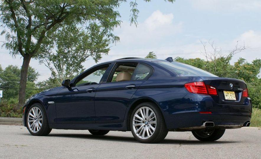 2011 BMW 550i automatic - Slide 4