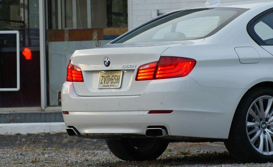 2011 BMW 550i automatic - Slide 32