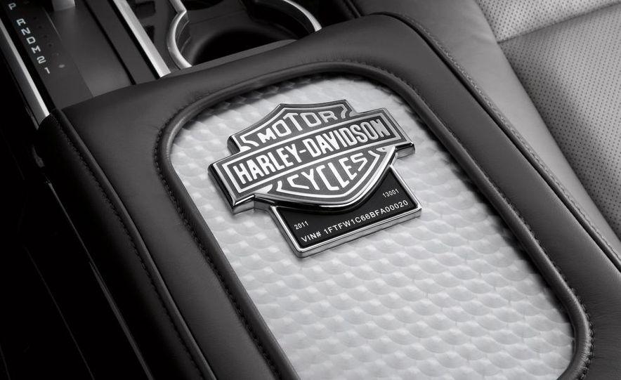 2011 Ford F-150 Harley-Davidson - Slide 10