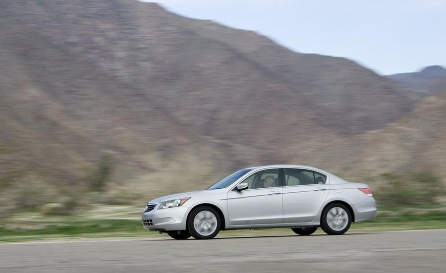 2011 Honda Accord EX-L V-6 sedan - Slide 13
