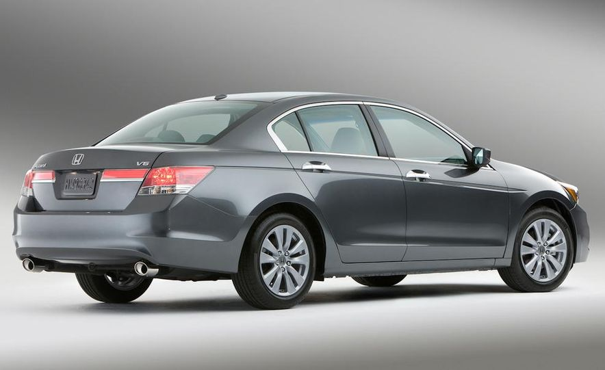 2011 Honda Accord EX-L V-6 sedan - Slide 2