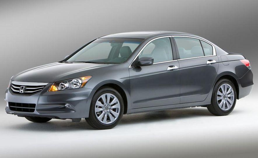 2011 Honda Accord EX-L V-6 sedan - Slide 3