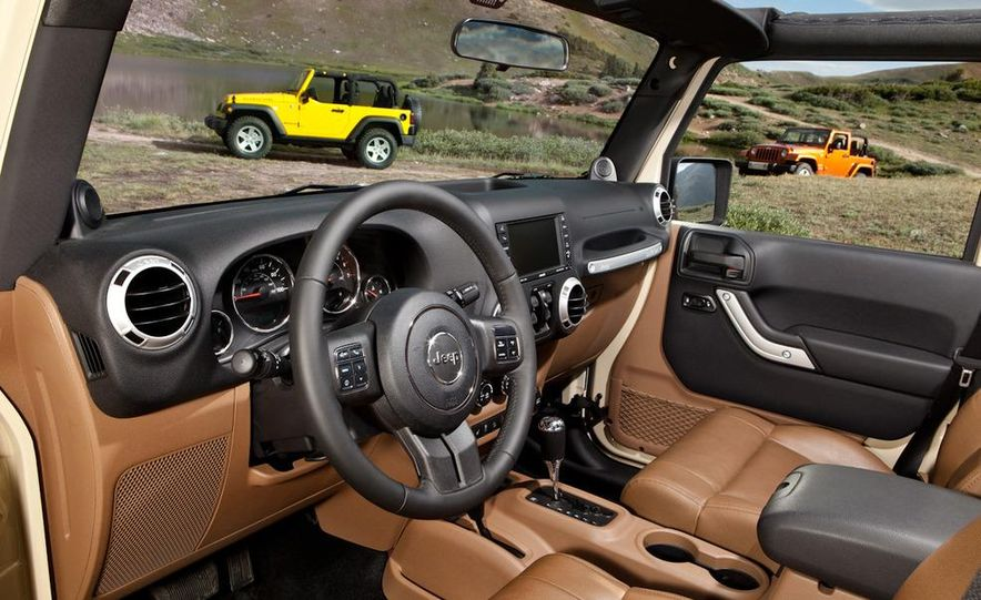 2011 Jeep Wrangler Sahara and Wrangler Unlimited Sahara - Slide 25
