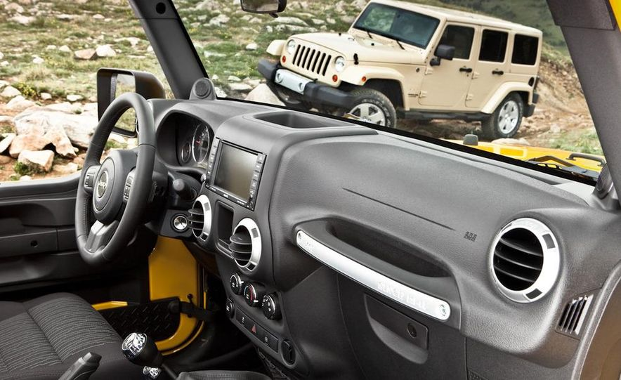 2011 Jeep Wrangler Sahara and Wrangler Unlimited Sahara - Slide 27