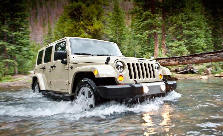 2011 Jeep Wrangler Sahara and Wrangler Unlimited Sahara - Slide 19