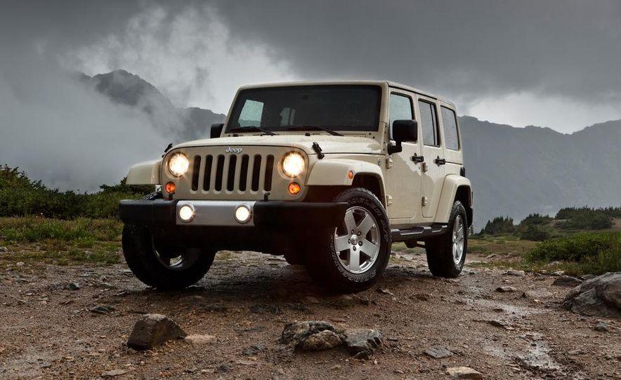 2011 Jeep Wrangler Sahara and Wrangler Unlimited Sahara - Slide 22