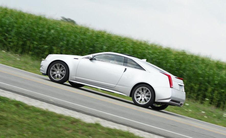 2011 Cadillac CTS coupe - Slide 4