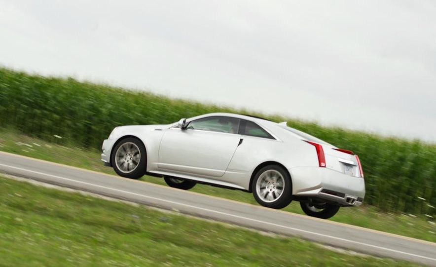 2011 Cadillac CTS coupe - Slide 6