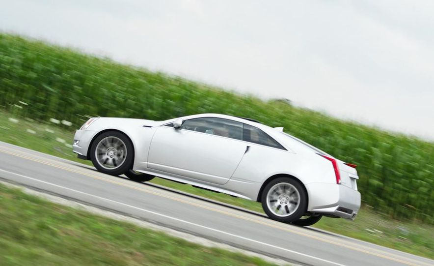 2011 Cadillac CTS coupe - Slide 5