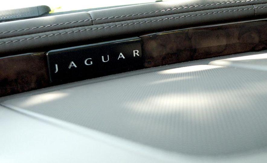 2011 Jaguar XJ Supercharged - Slide 40