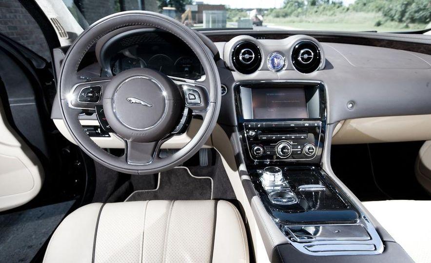 2011 Jaguar XJ Supercharged - Slide 30