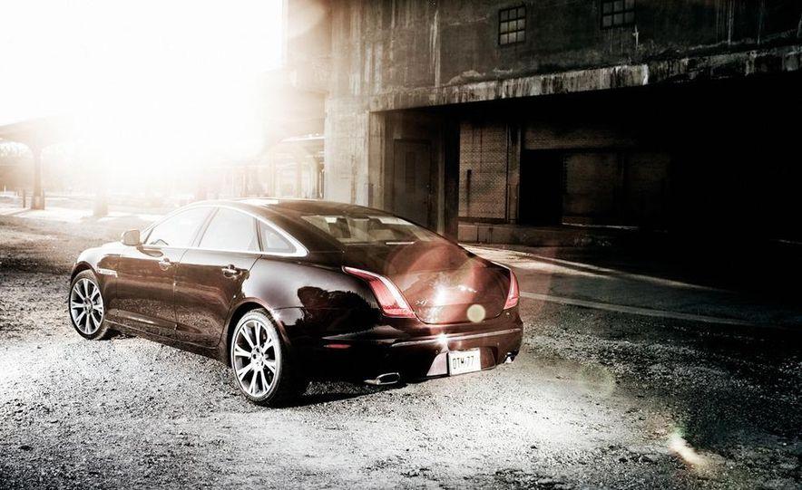 2011 Jaguar XJ Supercharged - Slide 17
