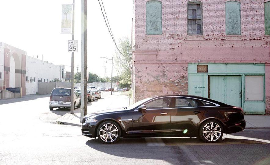 2011 Jaguar XJ Supercharged - Slide 11
