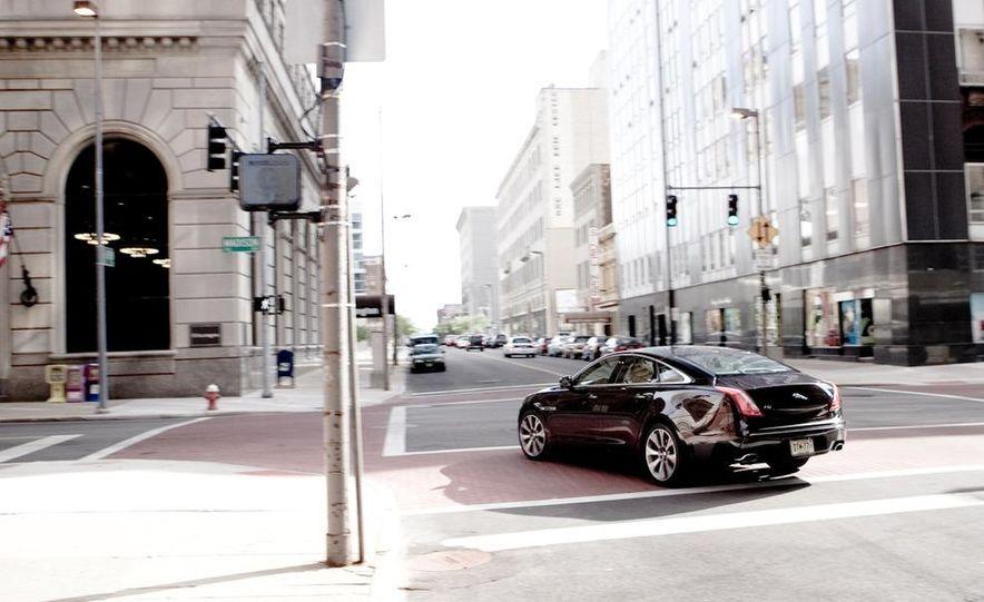 2011 Jaguar XJ Supercharged - Slide 12
