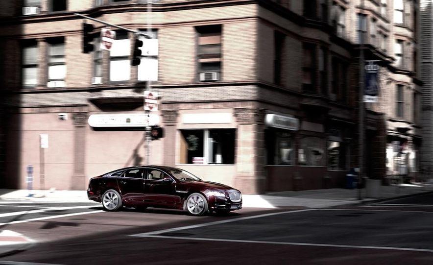2011 Jaguar XJ Supercharged - Slide 9